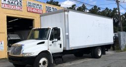 International 24 Foot Non CDL Automatic Box Truck
